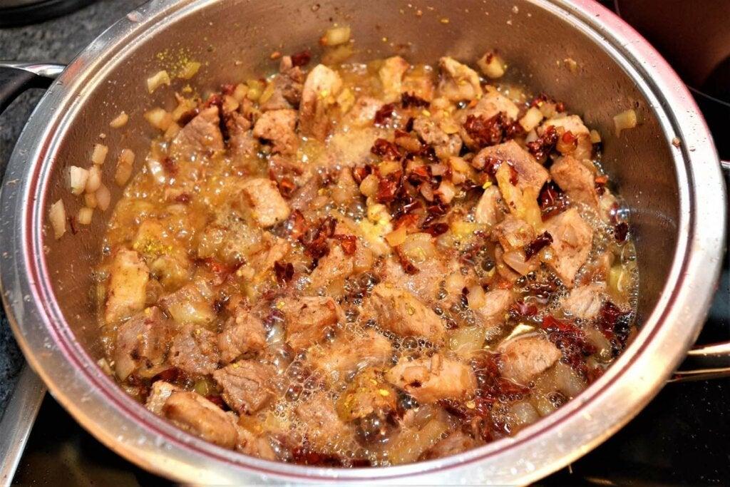 Selsko Meso é um alimento típico da culinária da Macedônia.