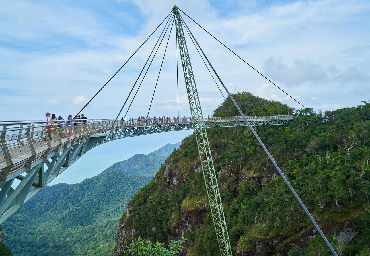 El Sky Bridge, una excursión para los más valientes en Malasia.