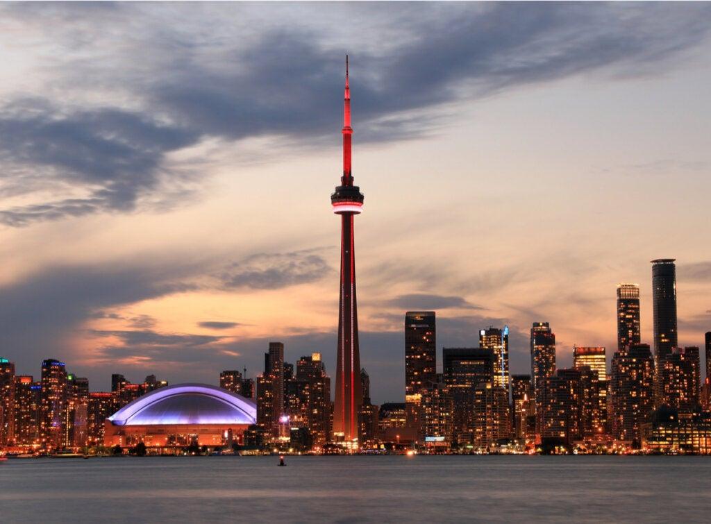 La Torre Nacional de Canadá: ¿te atreverías a subir?
