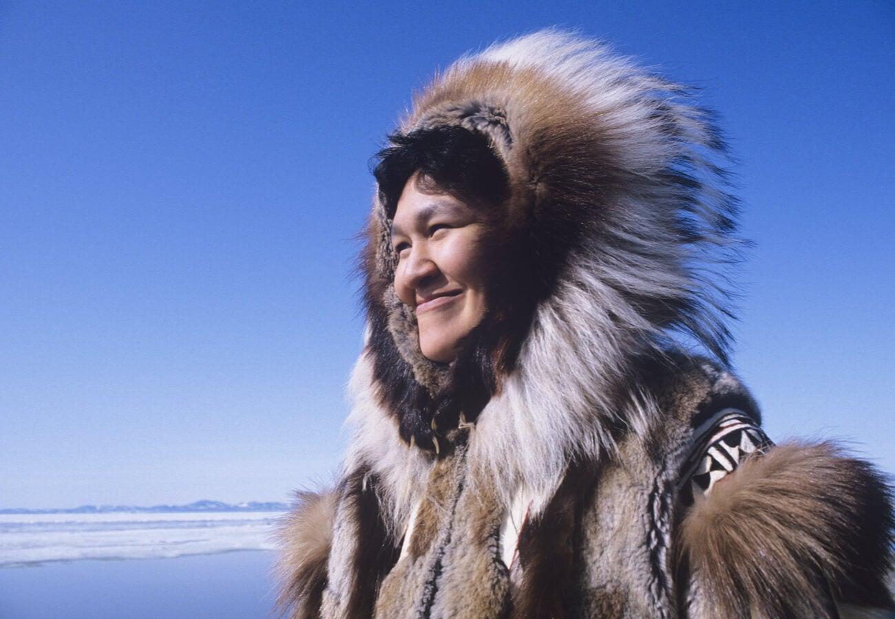 Mujer esquimal de la tribu Inuit.