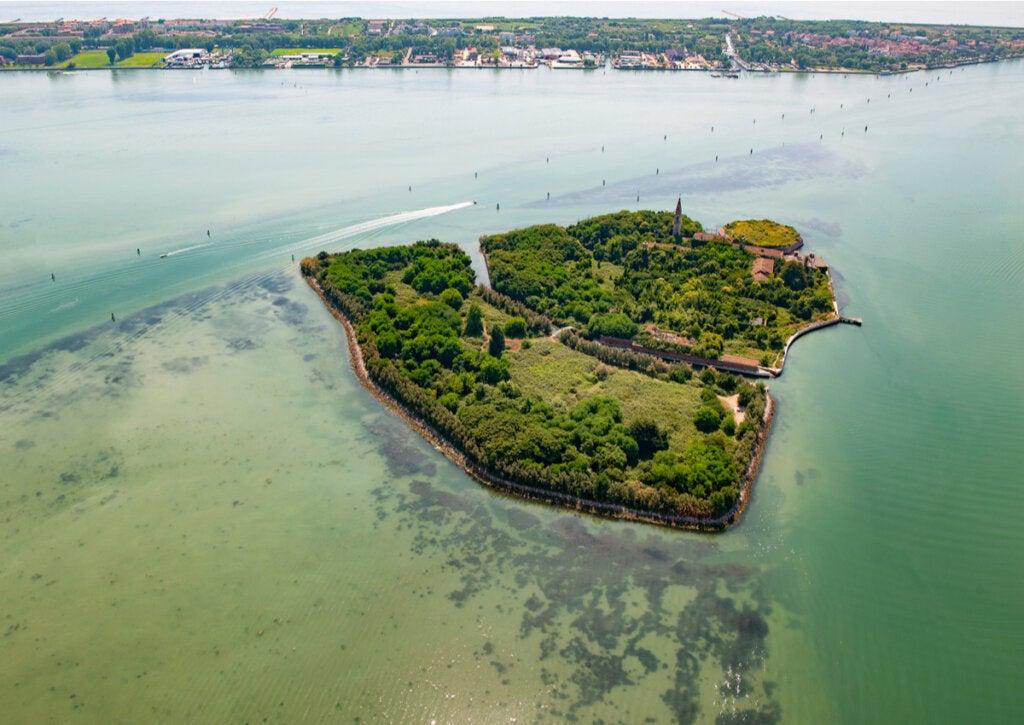 La misteriosa historia de Poveglia, una isla aterradora