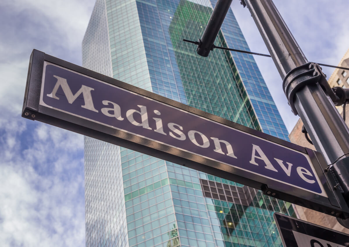 Cartel clásico de la Avenida Madison.
