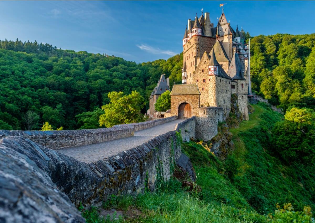 Historia del castillo de Eltz en Alemania