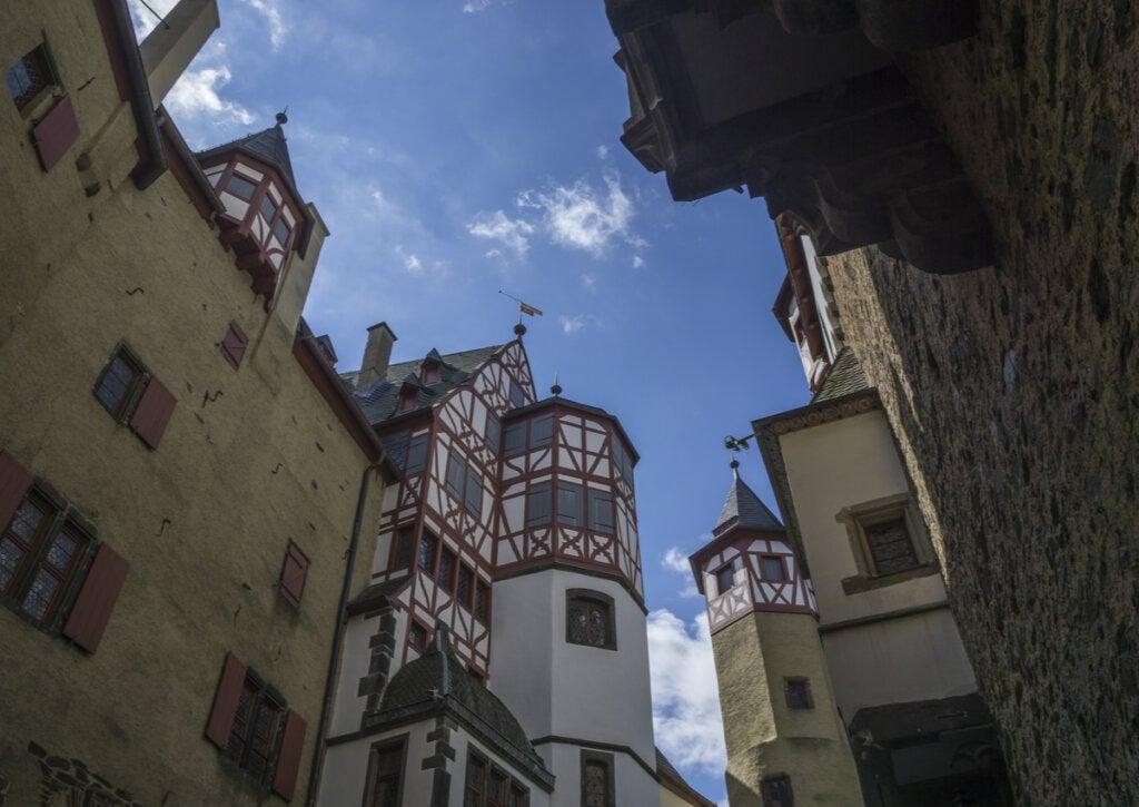 Interior del castillo Eltz, uno de los más antiguos de Alemania.