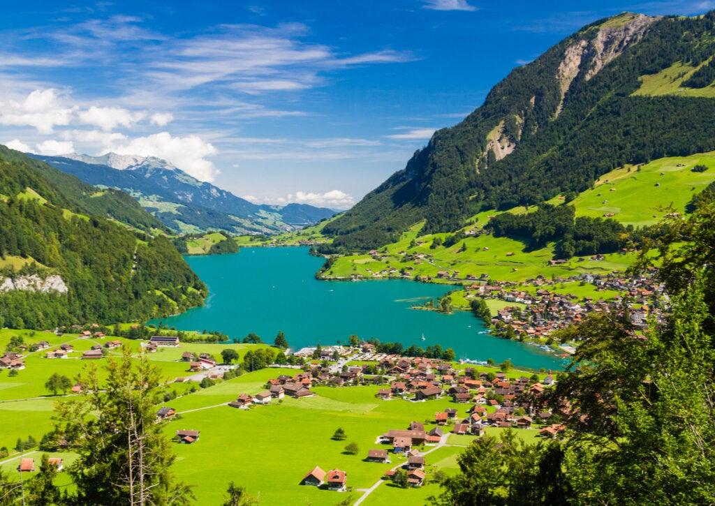 Lago Lunkern, en la región de Obwald, Suiza.