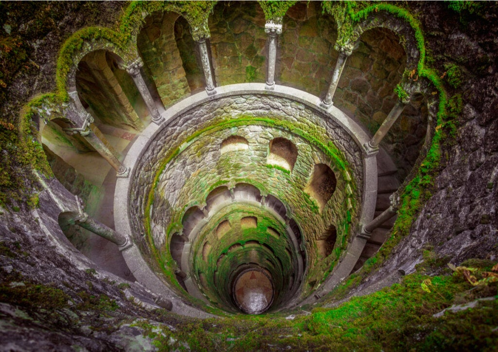 El pozo de la iniciación usado por los masones en el Palácio da Regaleira.