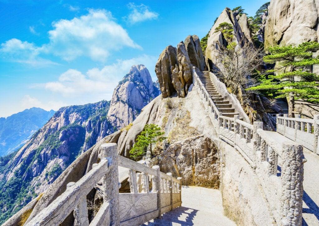 Senderos de las montañas amarillas de Huangshan.