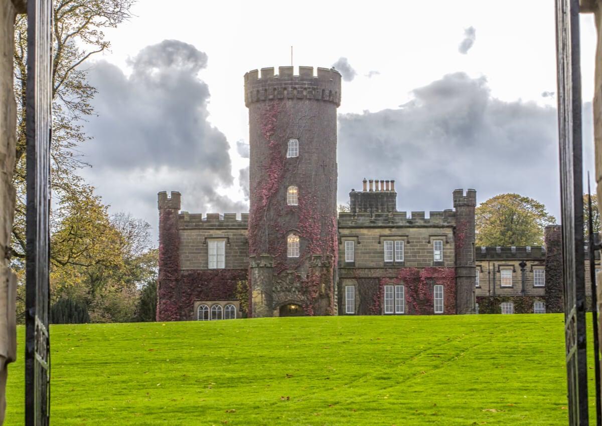 El Swinton Park es uno de los hoteles castillo ubicados en Inglaterra.