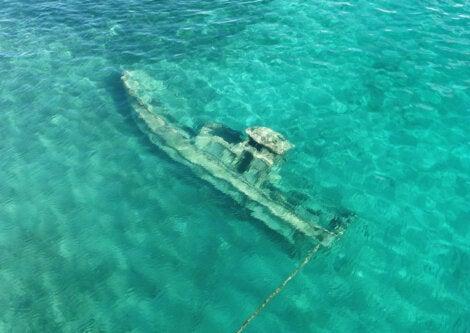 Barco hundido en el atolón Truk.