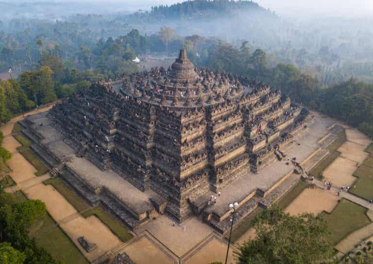 ¿Cuál es la historia del gran templo de Borobudur?