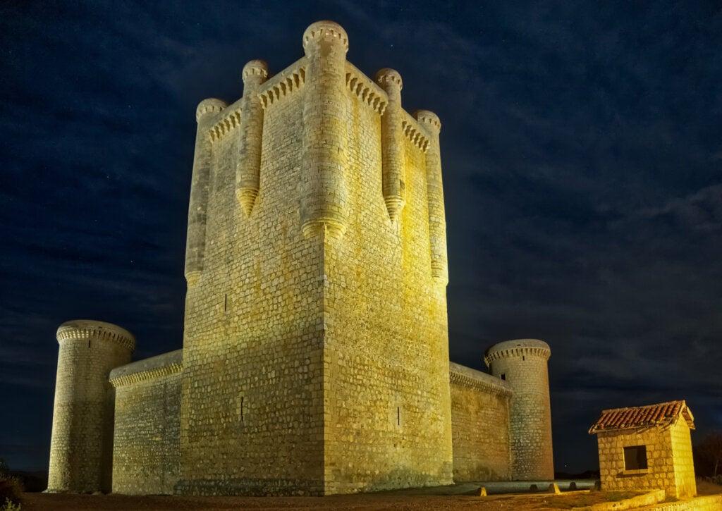 La historia de Torrelobatón está fuertemente relacionada con su castillo.
