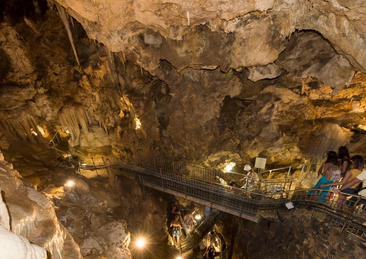 La Cueva del Observatorio, parte del jardín de Mónaco.