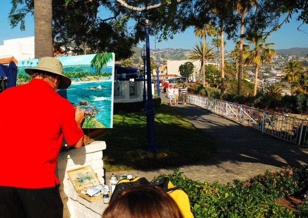 Exhibición de arte público en Laguna Beach.
