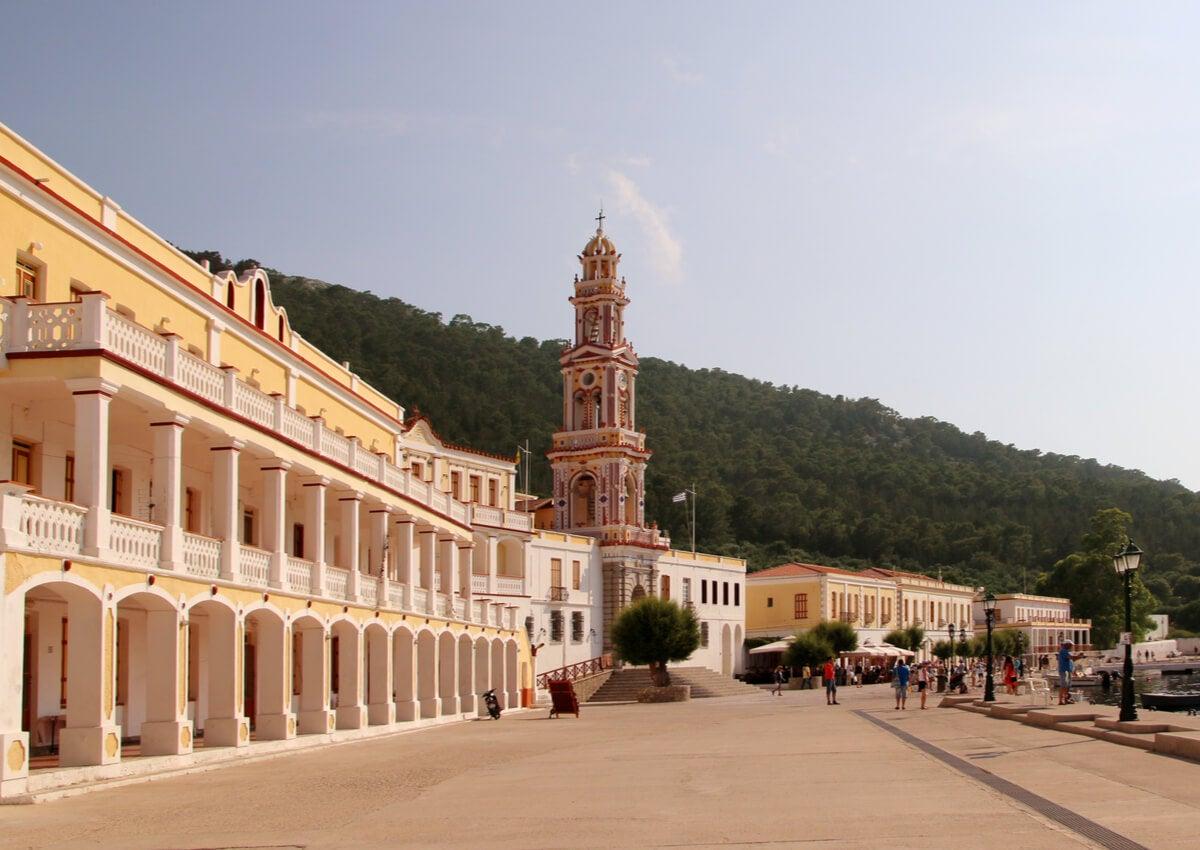 El Monasterio de Miguel Panormitis es una de las atracciones de la isla de Symi.