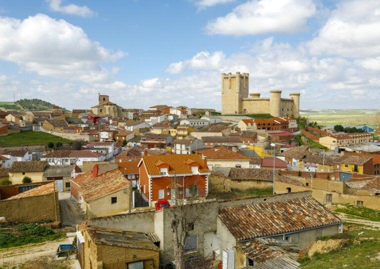 ¿Cuál es la historia de Torrelobatón?