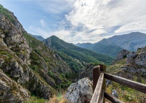 El Valle Sajambre es uno de los atractivos del Parque Nacional Picos de Europa.