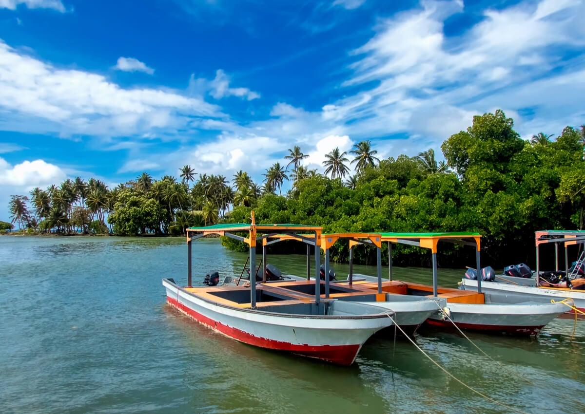 Costa del Estado de Chuuk, en Micronesia.