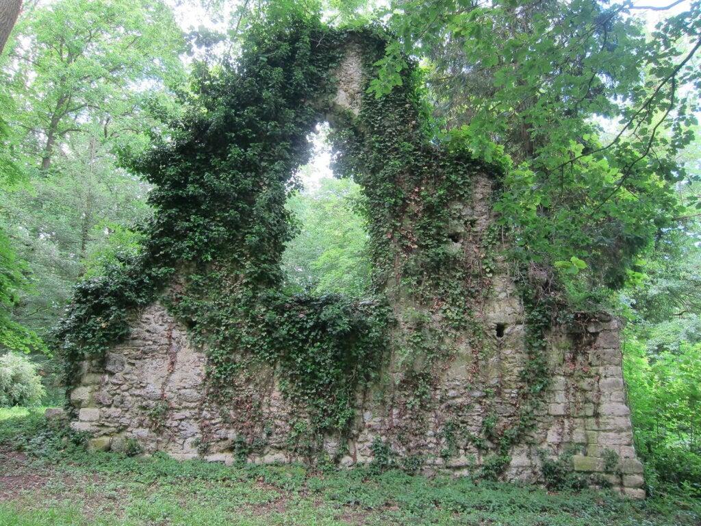 En el Désert de Retz se pueden encontrar todo tipo de construcciones antiguas.