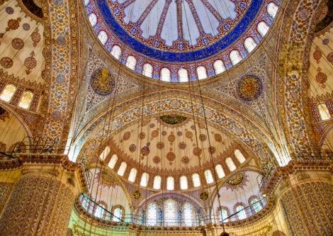 Vista interior de la mezquita de Solimán.