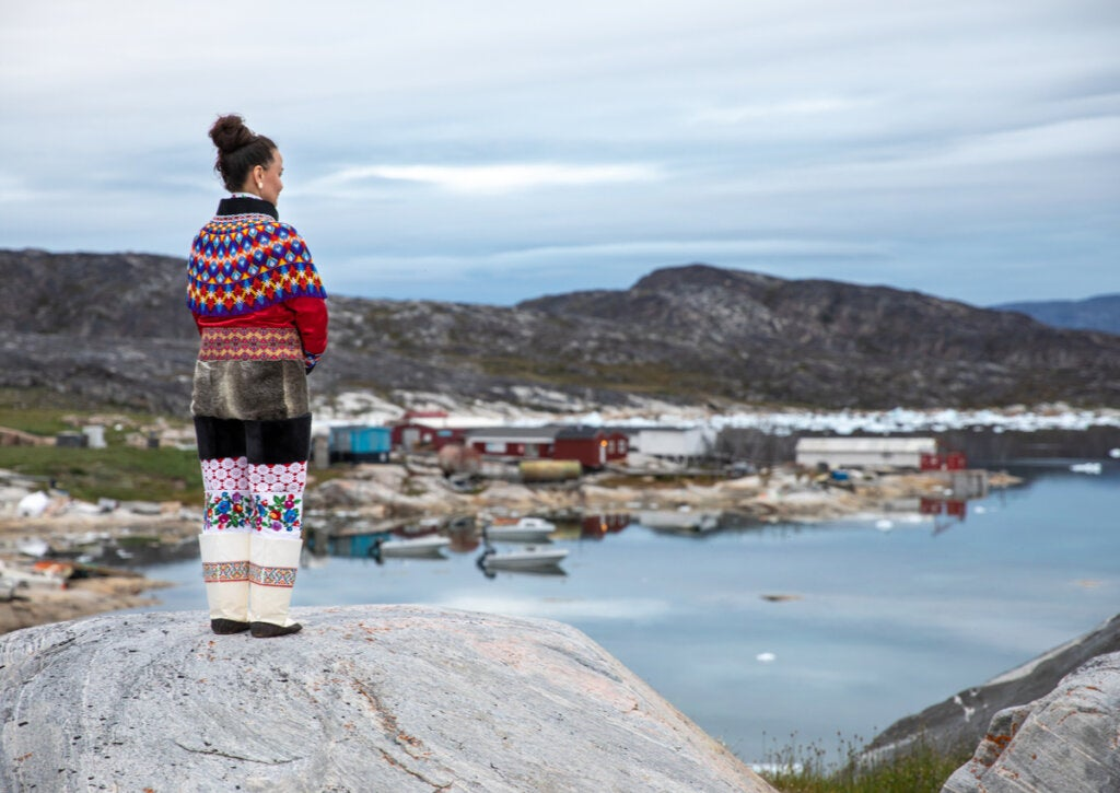 Mujer representante de la cultura Inuit.