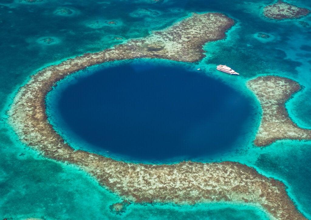 El gran agujero azul en Belice