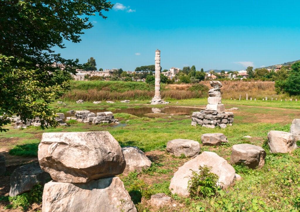 Los restos del Templo de Artemisa son muy pocos en la actualidad.
