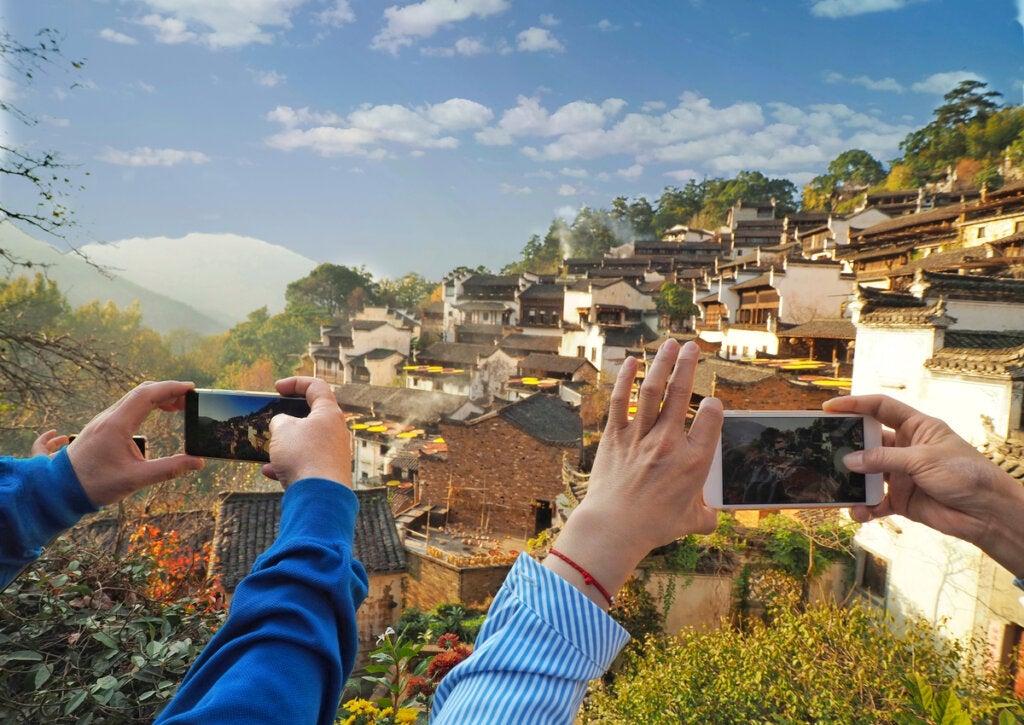 El turismo actual pone en jaque las tradiciones de Huangling.