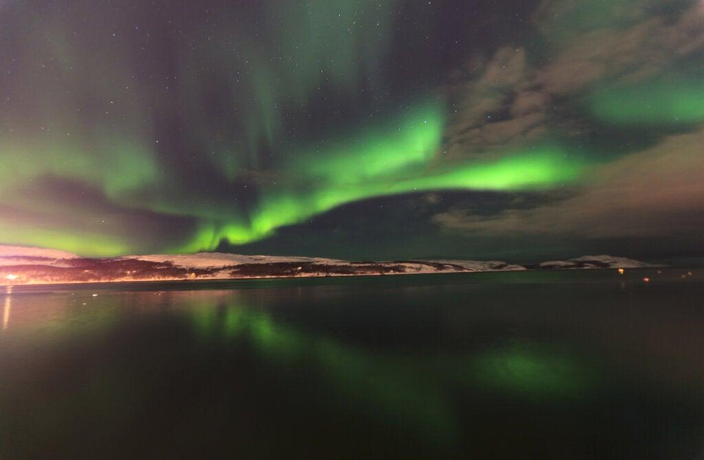Ver las auroras boreales en Islandia es un espectáculo fabuloso.