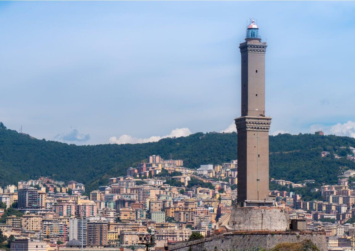 El Faro de Génova es uno de los más visitados del mundo.
