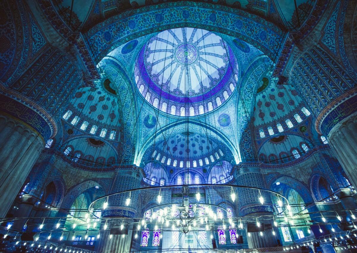 Al viajar a Turquía, es muy recomendable visitar la Mezquita Azul.
