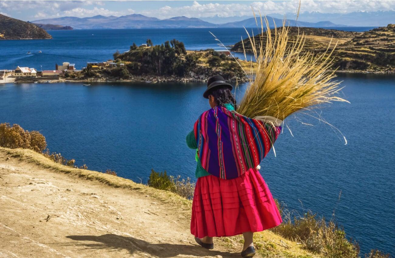 El Lago Titicaca es uno de los más elevados del mundo.