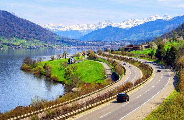 El lago de Zug en Suiza
