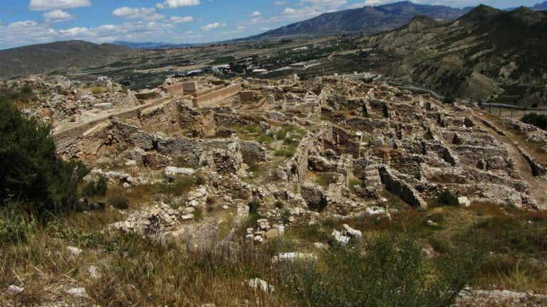 De paseo por el yacimiento arqueológico de Medina Siyasa