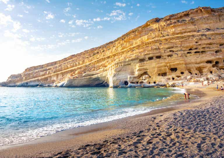 Playa de Matala: una de las más emblemáticas