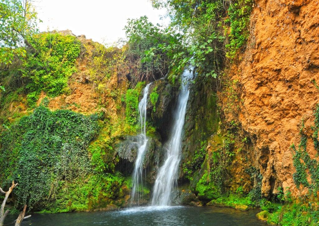 Las cascadas del Huesna son un atractivo natural en las Sierras del Norte en Sevilla.