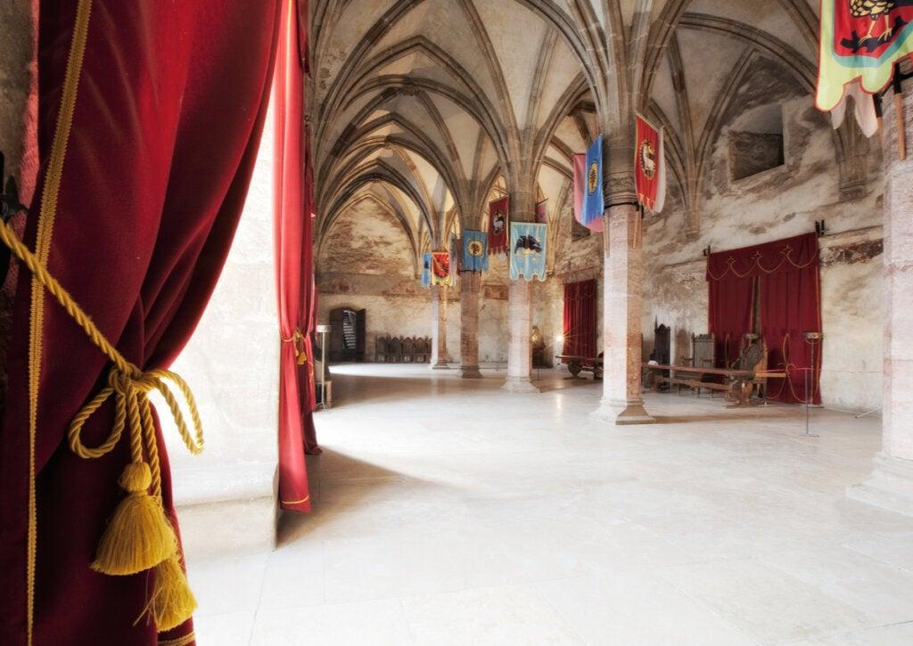El Salón de Caballeros del Castillo de Corvino es realmente asombroso.