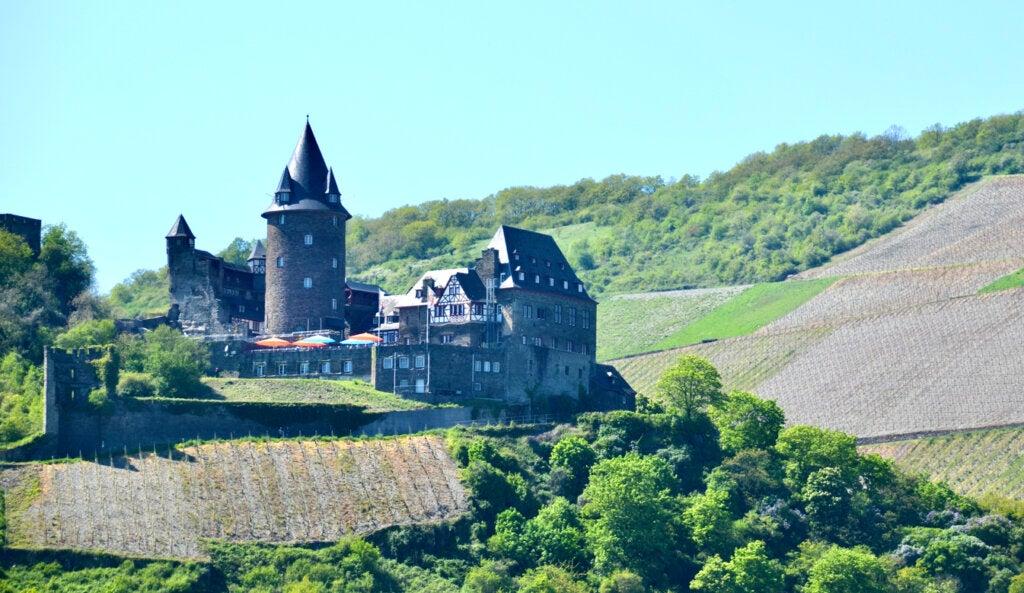El castillo de Stahleck es un atractivo en Bacharach, Alemania.