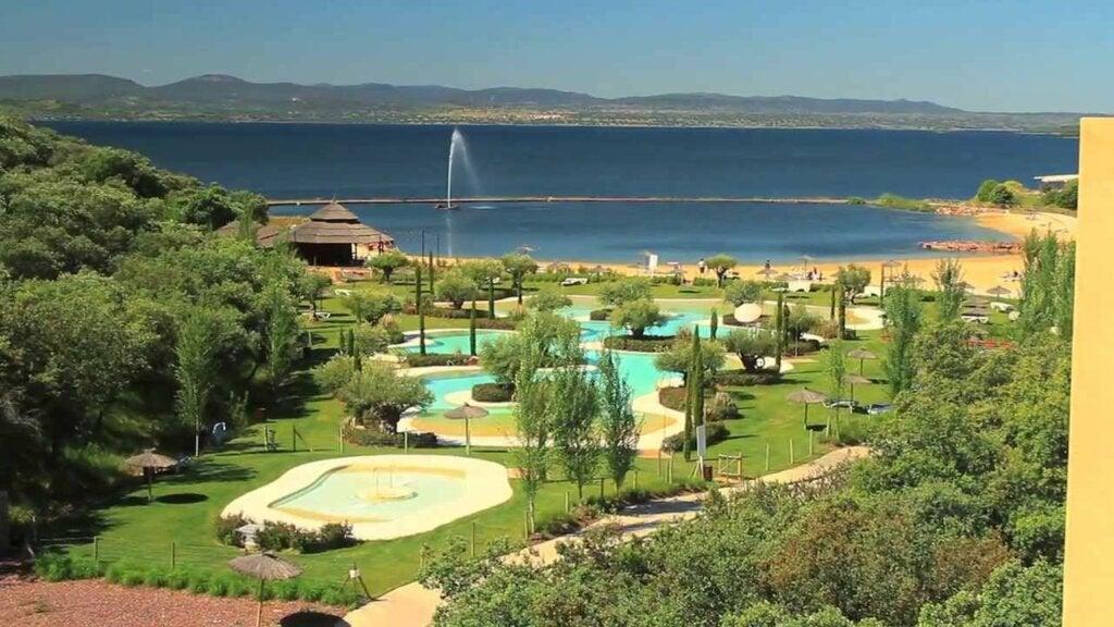 El resort de la isla de Valdecañas es un espacio ideal para la relajación.