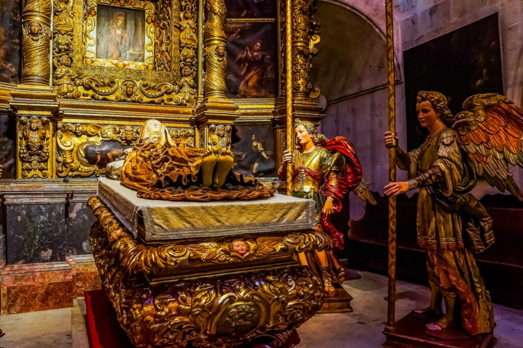 La Catedral de Mallorca oficia también como mausoleo real.