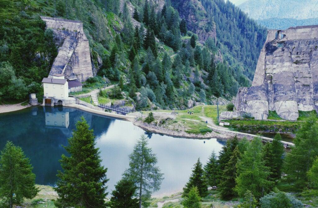 Hoy en día, las ruinas de la presa de Gleno son un lugar turístico.