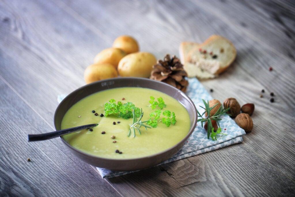 La salsa velouté es originaria de la gastronomía francesa.