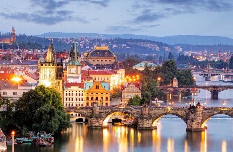 Praga de noche: un lugar encantador