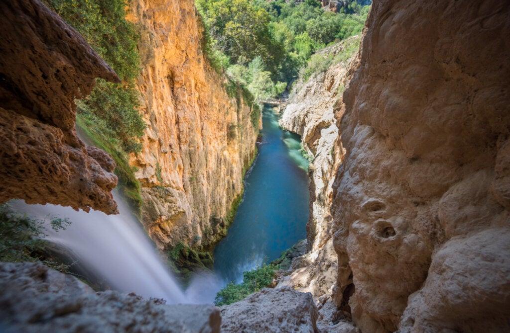 La cascada Cola de Caballo, ubicada en el Parque Natural Monasterio de Piedra.