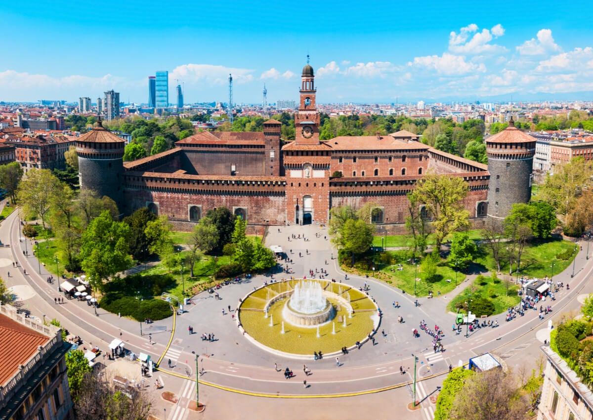 El Castello de Sforza es un símbolo del antiguo Milán.