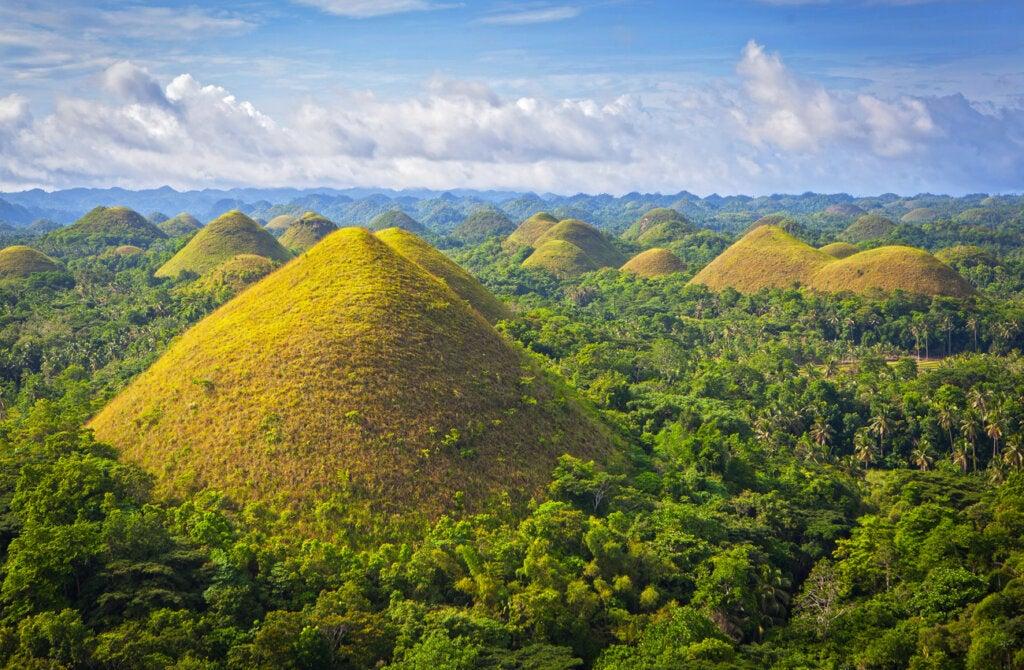 Las colinas de chocolate en Filipinas son un atractivo natural de este país.