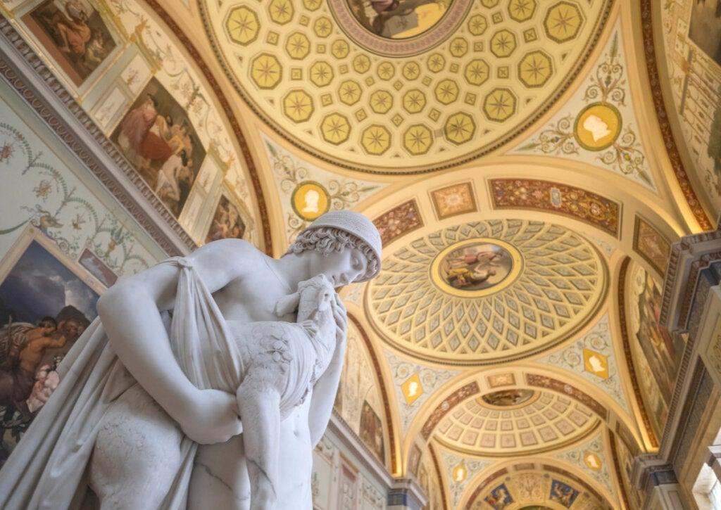 El Hermitage de San Petersburgo es uno de los museos que se pueden recorrer virtualmente.