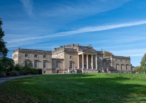 Stourhead House es la finca donde se encuentra la Torre del Rey Alfredo.