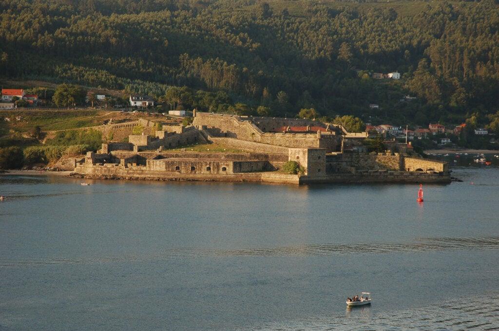 El de San Felipe es uno de los castillos en Galicia que todavía se conservan.
