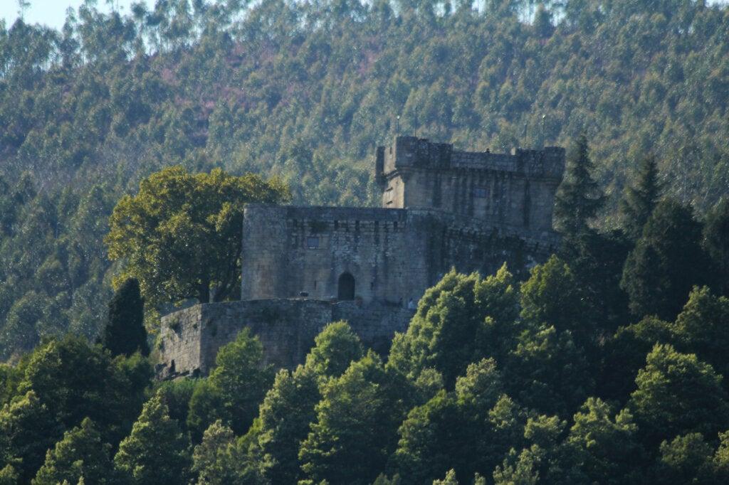 El Castillo de Sobroso ha sido una fortaleza en Galicia durante años.