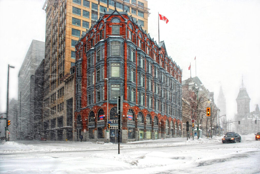 La ciudad de Ottawa es azotada por un frío invierno.
